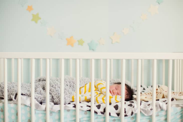 Best Cribs for Short Moms in 2020 - Buyer's Guide