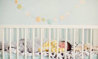 Best-Cribs-for-Short-Moms